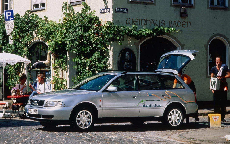 Retrospective: 1997 Audi A4 duo - e-tron connect