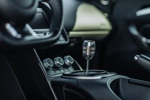 R8 Gated Shifter